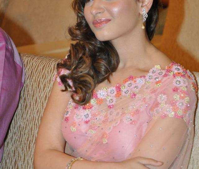Tamanna_at_racha_movie_audio_launch  Maniumca Tags Cute Photo Gallery Very Latest Saree Tamanna