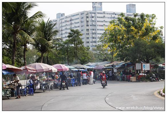 [曼谷]NOVOTEL BANGKOK IMPACT~早餐&附近逛逛買Boots @VIVIYU小世界