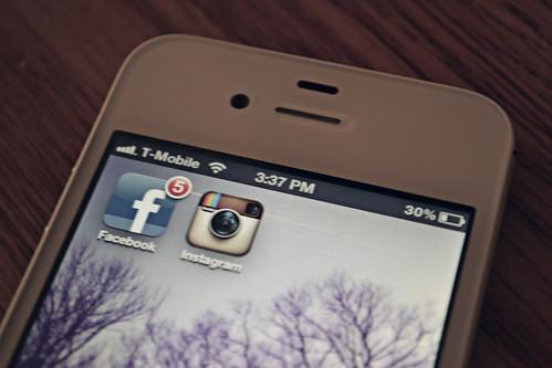 Facebook to buy Instagram for $1B