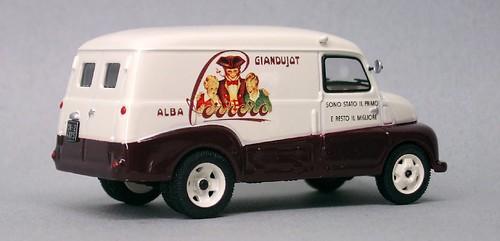 IXO Fiat 615N Ferrero (2)