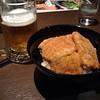 Photo:甘めのタレなカツ丼。普段あまり飲まないけど、旅に出ると呑む一杯。俺、身体労らないとダメなのになぁ(~_~;) By