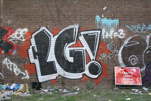 uk streetart london graffiti lg