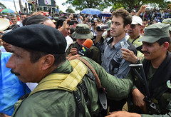 FARC libera a periodista francés Romeo Langlois