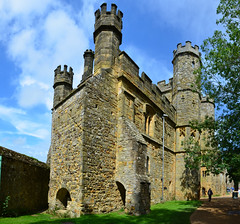 Battle Abbey, Main gatehouse