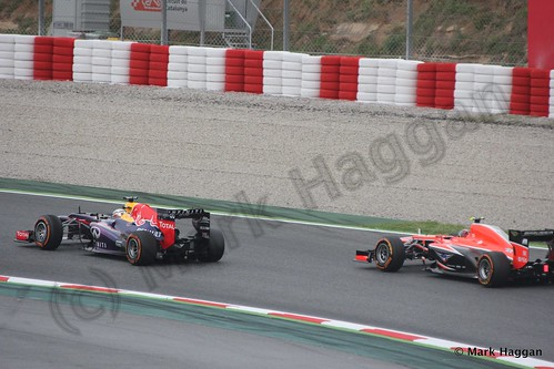 Sebastian Vettel and Rodolfo Gonzalez in Free Practice 1 at the 2013 Spanish Grand Prix