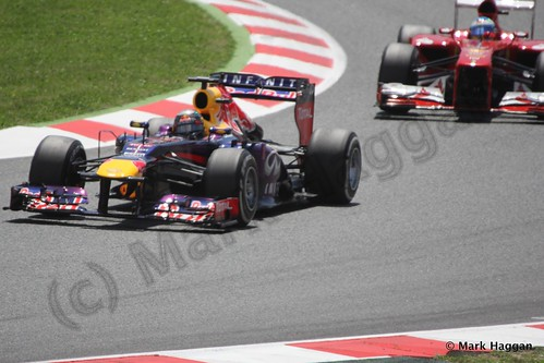 Sebastian Vettel leads Fernando Alonso in The 2013 Spanish Grand Prix
