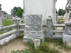 Hecker Left stone