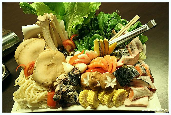 [桃園.美食]東街日本料理~無菜單創意菜色.母親節大餐 @VIVIYU小世界