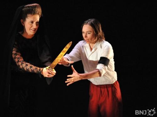 Cornelia dans Giulio Cesare de Haendel avec Carine Séchaye (Seesto) sous la direction de Facundo Agudin. Mise en scène : Bruno Ravella