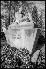 "Kriegerdenkmal • <a style=""font-size:0.8em;"" href=""http://www.flickr.com/photos/58574596@N06/11386059455/"" target=""_blank"">View on Flickr</a>"