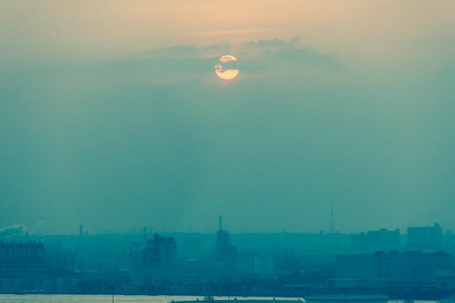 夕焼けの工場地帯