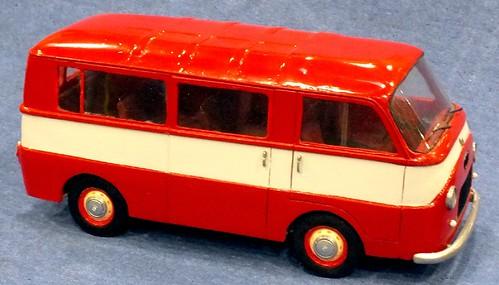 Toscani Fiat 1100T bus