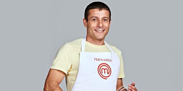"""Aula de """"culinária brisa"""" confunde e Fernando é eliminado do """"MasterChef"""""""