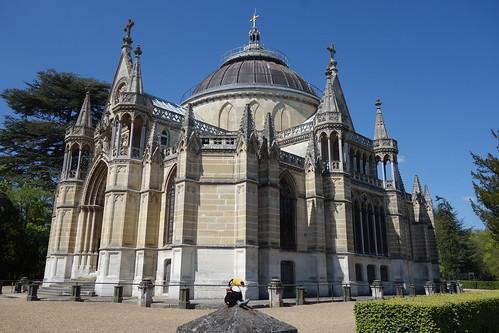 Direction, la basilique royale de Dreux !