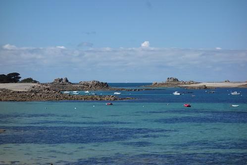 Arrivée à Port Blanc, qui est en fait un arc-en-ciel de bleu !