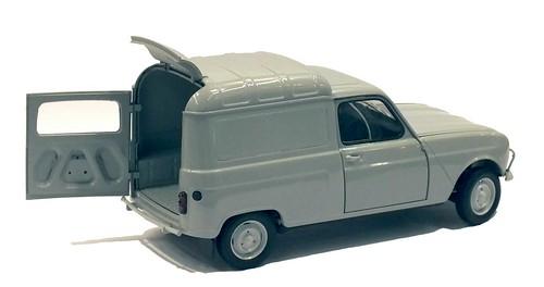 Ebbro Renault 4 van (2)-001