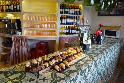 Rare sont les cafés ou les bars sans pinxos à Bilbao !