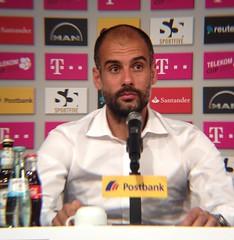 Bayern Münchens neuer Trainer Pep Guardiola nach dem Sieg beim Telekom Cup gegen Borussia Mönchengladbach