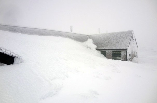 Lakes of the Clouds Hut Snow