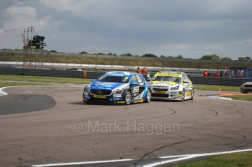 Aiden Moffat leads Dave Newsham at Rockingham, August 2016