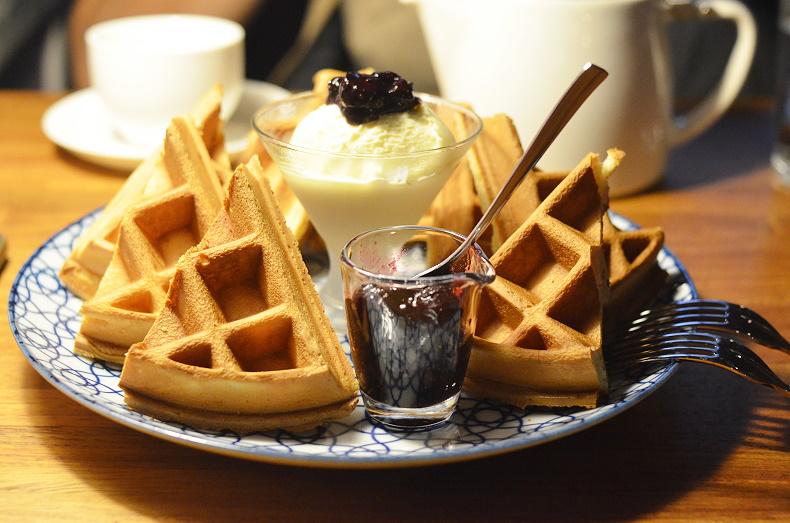 時年珈琲 /義式 單品咖啡 鬆餅 乳酪蛋糕‧臺南