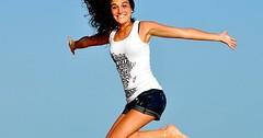 """Das Springen. Die Frau springt. Die Frauen springen. Vergangenheitsform: Die Frau sprang. Die Frauen sprangen. • <a style=""""font-size:0.8em;"""" href=""""http://www.flickr.com/photos/42554185@N00/27261297192/"""" target=""""_blank"""">View on Flickr</a>"""