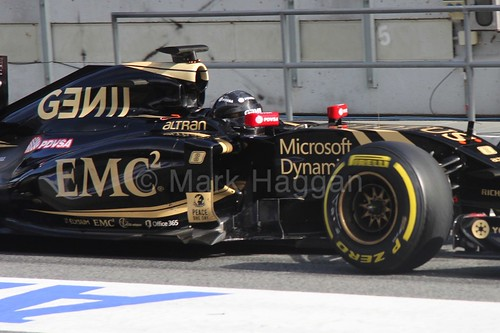 Pastor Maldonado in the Lotus in Formula One Winter Testing 2015