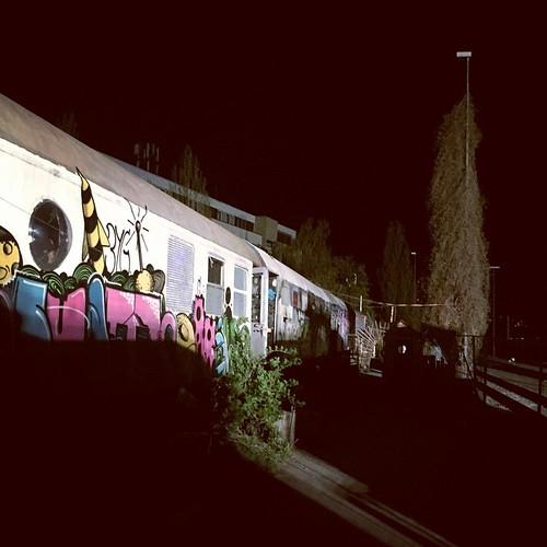 #Stuttgart Du kannst nicht nur hässlich sein! #0711 #Waggons