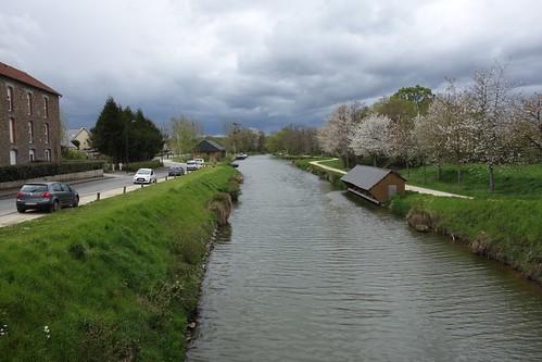 Voici le canal d'Ille et Rance qui traverse une grande partie de la Bretagne