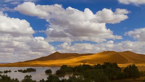 Wüstenrand - Sonne und Wolken