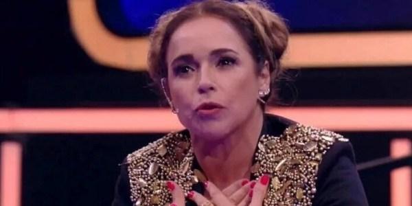 Tropeção e penteado de Daniela Mercury roubam a cena no SuperStar