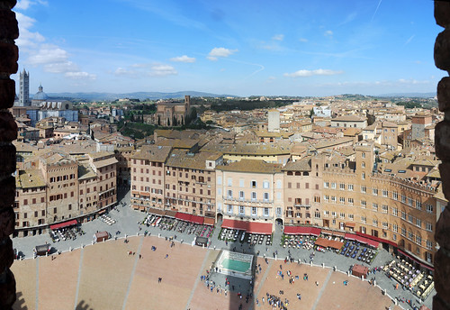 """Piazza del Campo • <a style=""""font-size:0.8em;"""" href=""""http://www.flickr.com/photos/96019796@N00/16911680238/"""" target=""""_blank"""">View on Flickr</a>"""