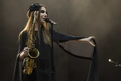 "PJ Harvey - Primavera Sound 2016, sábado - 9 - M63C1657 • <a style=""font-size:0.8em;"" href=""http://www.flickr.com/photos/10290099@N07/26874508353/"" target=""_blank"">View on Flickr</a>"