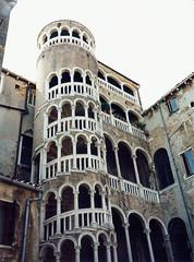 1998 05 20 Venice staircase Scala Contarni del Bovolo