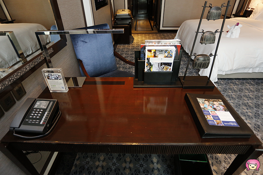 [曼谷住宿]曼谷雅典娜廣場皇家艾美酒店 皇家素雅華麗裝潢.鄰近Central Embassy、四面佛~早餐一定要吃!太豪華了! @VIVIYU小世界