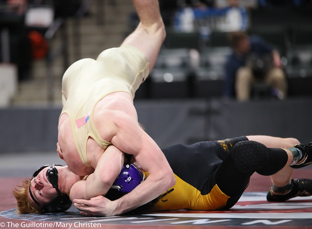 152AA 1st Place Match - Tim Stapleton (Waconia) 43-2 won by major decision over Dylan Fudge (Perham) 44-7 (MD 11-2) - 190302BMC4774