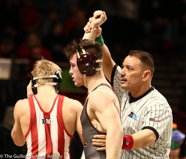 Champ. Round 1 - Mitch McKee (Minnesota) 17-4 won by fall over Kyle Luigs (Indiana) 18-15 (Fall 4:09) - 1903amk0071