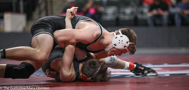 138AA 1st Place Match - Tyler Shackle (Scott West) 44-6 won by decision over Cael Berg (Simley) 36-3 (Dec 5-4) - 190302BMC4548