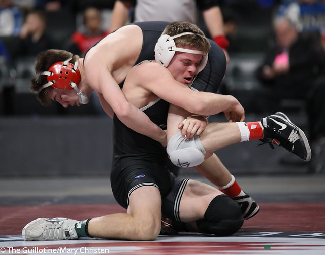 138AA 1st Place Match - Tyler Shackle (Scott West) 44-6 won by decision over Cael Berg (Simley) 36-3 (Dec 5-4) - 190302BMC4594