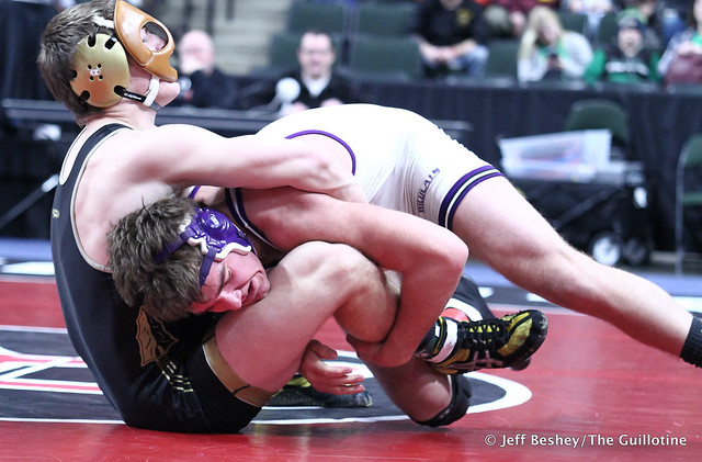 220A5th Place Match - Kodee O'Reilly (Goodhue) 44-10 won by decision over Nick McCabe (Caledonia-Houston) 10-6 (Dec 9-3). 190302BJF0661