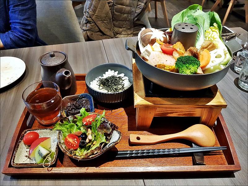 大蔬廚房 |臺中素食餐廳推薦,不只有義大利式的燉飯跟披薩,連素食火鍋也很好吃歐 | 酷麥克同名網誌