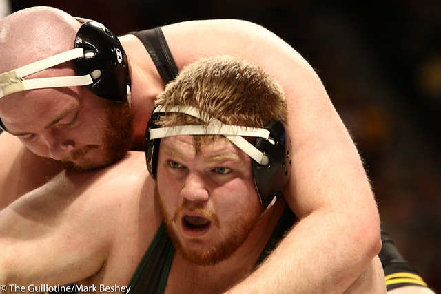 Champ. Round 1 - Sam Stoll (Iowa) 9-4 won by decision over Chase Beard (Michigan State) 15-13 (Dec 6-1) - 1903amk0233