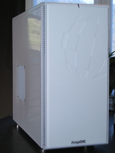 The AmigaOne X1000 in a white case by Dave Braco