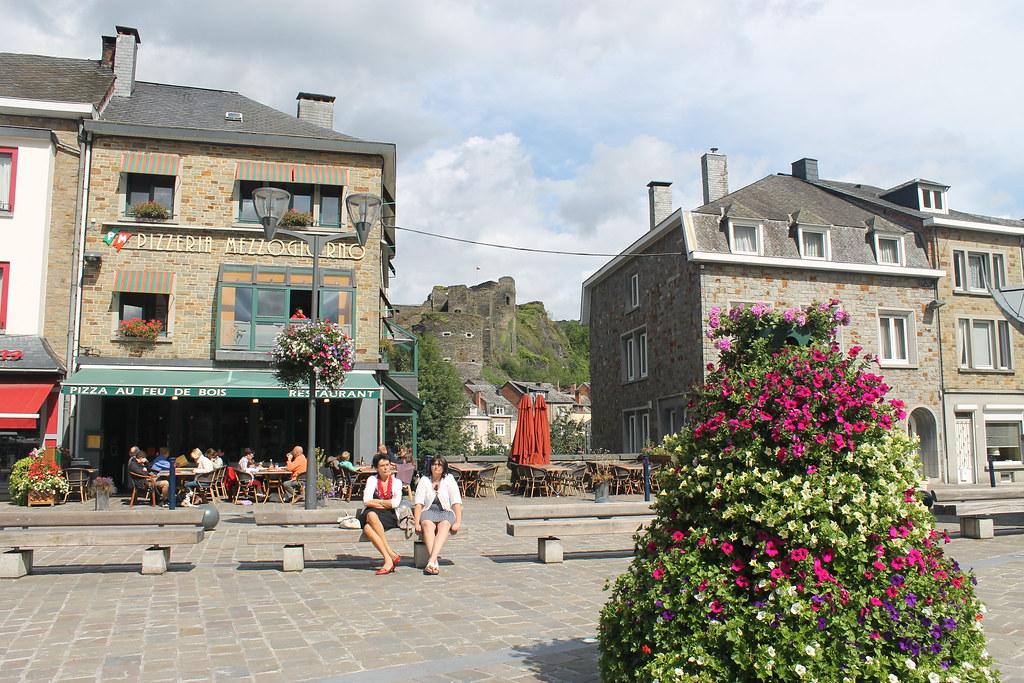 Coquetas calles en La Roche en Ardenne