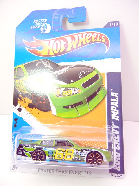 HOT WHEELS 2010 CHEVY IMPALA (1)