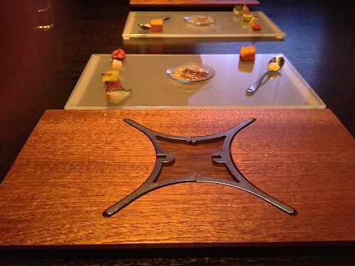 2 trays
