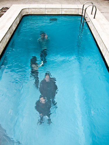 Fake Swimming Pool by Leandro Erlich in Kanazawa