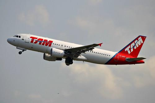 Airbus A320 da TAM @ SBGR