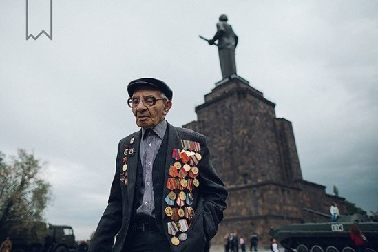 If you don't believe in heroes, you haven't met them yet.... Happy May 9th! Happy Victory Day! Photography by @arthurlumen #awesomeArmenia #Armenia #Yerevan #may9 #victoryday #victory #celebration #ww2 #veteran #medal #oldman #tank #remembrance #lumen