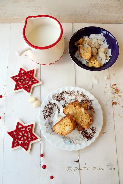 Biscotti al limone con farina di mais,cocco, miele  e mandorle